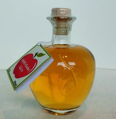 Apfel und Gurke Likör (Apfelflasche)